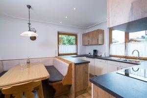 Küche+Esstisch